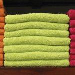 Ręczniki szybkoschnące z mikrofibry – dobre rozwiązanie dla osób w podróży